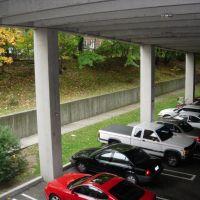 Under parking garage, Стамфорд