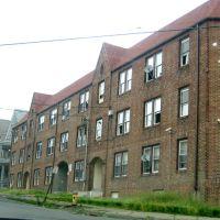 Schoolhouse Apt, Уотербури