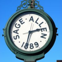 Old Clock on Main Street, Хартфорд