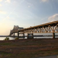 Horace Wilkinson Bridge, I-10, over the Mississippi River at Baton Rouge, La. USA  (December 2011), Батон-Руж