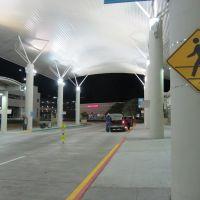 Baton Rouge Metropolitan Airport, Бейкер