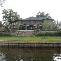 House on Black Bayou, Бентон