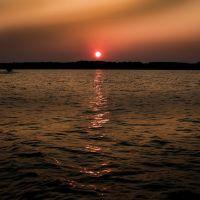 Disturbed Sunrise, Бентон
