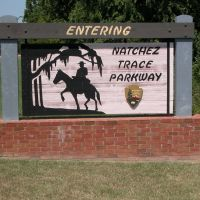 Entering the Natchez Trace Parkway Sign, Traceway Drive, Natchez, Mississippi, Клейтон