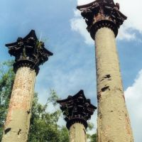 Windsor plantation ruins, near Alcorn Mississippi (8-2000), Клейтон