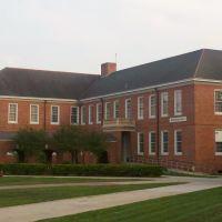 Broussard Hall, Лафайетт