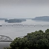 Louisiana Railroad Bridge, Метаири
