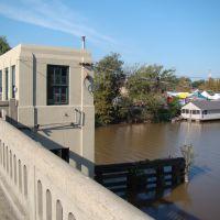 Drawbridge control room over Bayou Teche, Нью-Ибериа