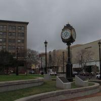 Clock in a Park, Пайнвилл