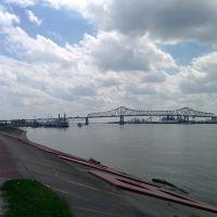 Baton Rouge Miss River Levee, Порт-Аллен