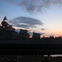 USS Kidd, Sunset July 4th, 2005, Порт-Аллен