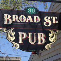 Broad Street Pub Sign, Бриджуотер