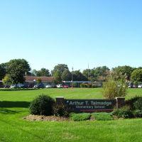Arthur T Talmadge Elementary School, Ист-Лонгмидоу