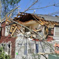 Tornado Damage Pennsylvania Ave, Ист-Лонгмидоу