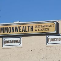Commonwealth Restaurant & Lounge Sign (Quincy MA), Куинси