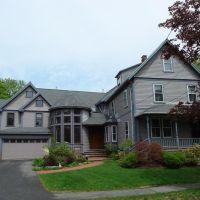 Home on Clarke Street - Lexington, MA, Лексингтон