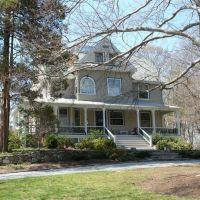 House on Oakland Street - Lexington, MA, Лексингтон