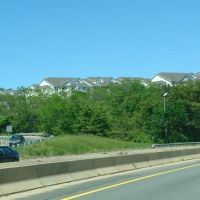 Highlands at Dearborn Apartment Complex, from Route 128 - Peabody, MA, Линнфилд