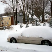 Car under snow, Линнфилд