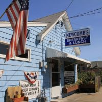 Newcombs Breakfast & Lunch, Weymouth MA, Ловелл