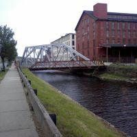 N. Canal St., Лоуренс