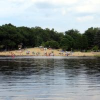 Wrights Pond Beach, Медфорд
