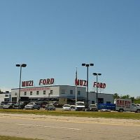 Muzi Ford City - Highland Avenue - Needham, MA, Нидхам