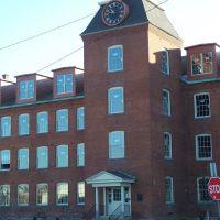 Clock Tower Condominums, Питтсфилд