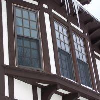 Fit Perfect Windows, Питтсфилд