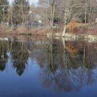 Whitin Pond Falls Panorama, Ревер