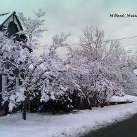 Milford, Massachusetts, Таунтон