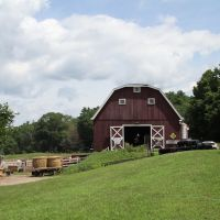 Bluestar Equiculture barn, Три-Риверс