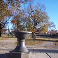 Ruggles Fountain, Фолл-Ривер