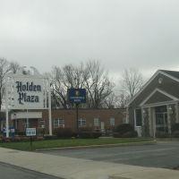 Holden Plaza, Холден