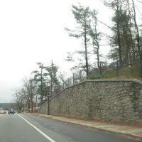 Retaining wall near Cresview, Холден