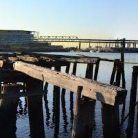 Old dock piers & Tobin Bridge, Челси