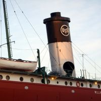 A Ship at Duluth Harbour Museum, MN, Дулут