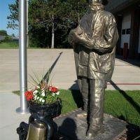 Fireman memorial, Brainerd, MN, Литтл-Фоллс