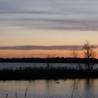 Apr 2007 - Plymouth, Minnesota. Pastel sunset at Medicine Lake., Медисин-Лейк
