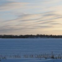 Mar 2011 - Plymouth, Minnesota. Wavy clouds over frozen Medicine Lake., Медисин-Лейк