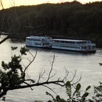Riverboat on the Mississippi, Мендота-Хейгтс