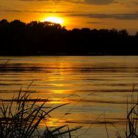 Sunset over Long Lake, Нью-Брайтон