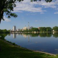 Rochester across Silver Lake, Рочестер