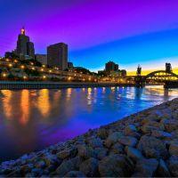 City at dawn, Сант-Пол