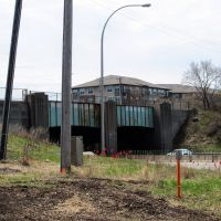 Historic Bridge 5309 (old Soo Line RR overpass), looking southwest from Lilac Park across Hwy 100., Сент-Луис-Парк