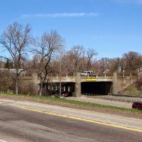 Historic Bridge 5598 (the Minnetonka Blvd overpass) on Highway 100. Looking northeast., Сент-Луис-Парк
