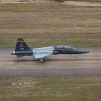 T-38 Talon Taxis at Columbus Air Force Base, Вейр