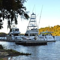 Yachts at the Fueling Dock at Bobbys Fish Camp (near Bladon Springs, AL), Вест Поинт