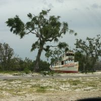S.S. Hurricane Camille at Gulfport, Mississippi after Hurricane Katrina.  (June 2006), Гулфпорт