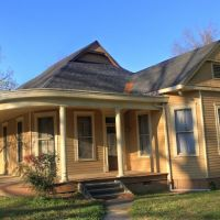 Oak Street Home, Кингс